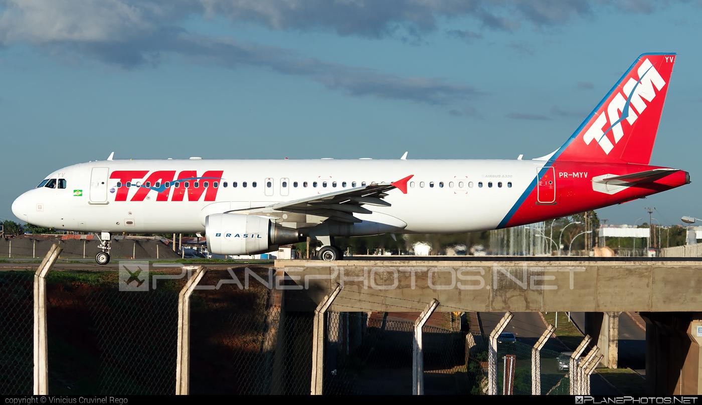 Airbus A320-214 - PR-MYV operated by TAM Linhas Aéreas #a320 #a320family #airbus #airbus320 #tam #tamairlines #tamlinhasaereas
