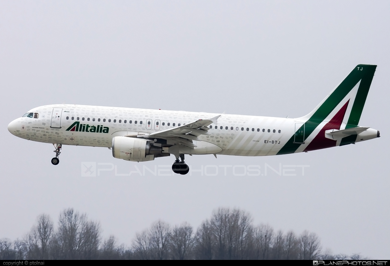 Airbus A320-211 - EI-DTJ operated by Alitalia #a320 #a320family #airbus #airbus320 #alitalia