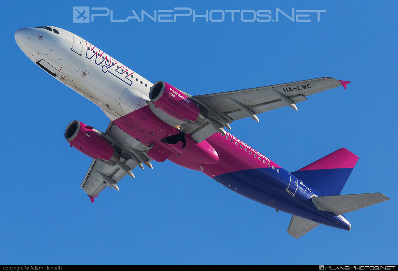 Wizz Air Airbus A320-232 - HA-LWC #a320 #a320family #airbus #airbus320 #wizz #wizzair