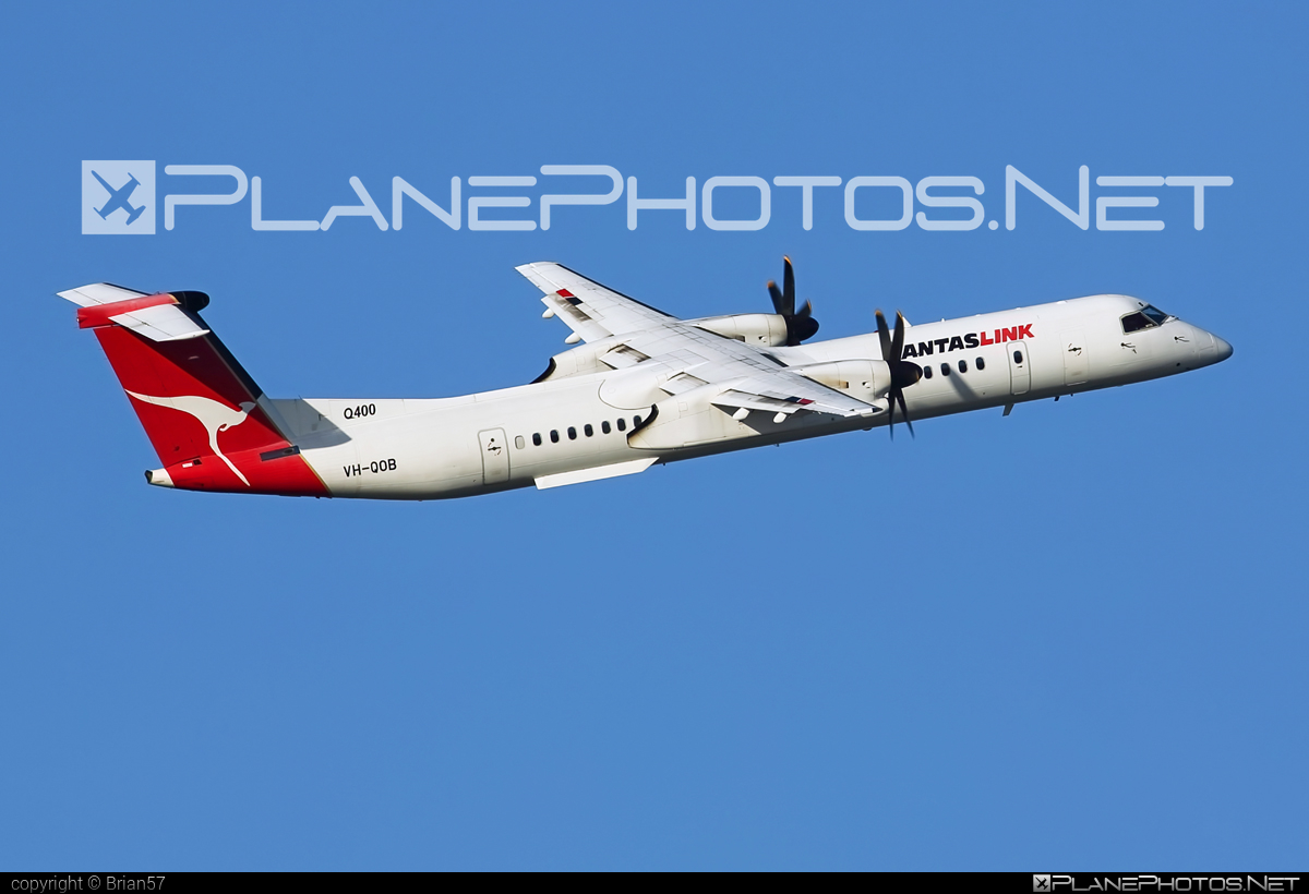 Bombardier DHC-8-Q402 Dash 8 - VH-QOB operated by QantasLink (Sunstate Airlines) #bombardier #qantaslink #sunstateairlines