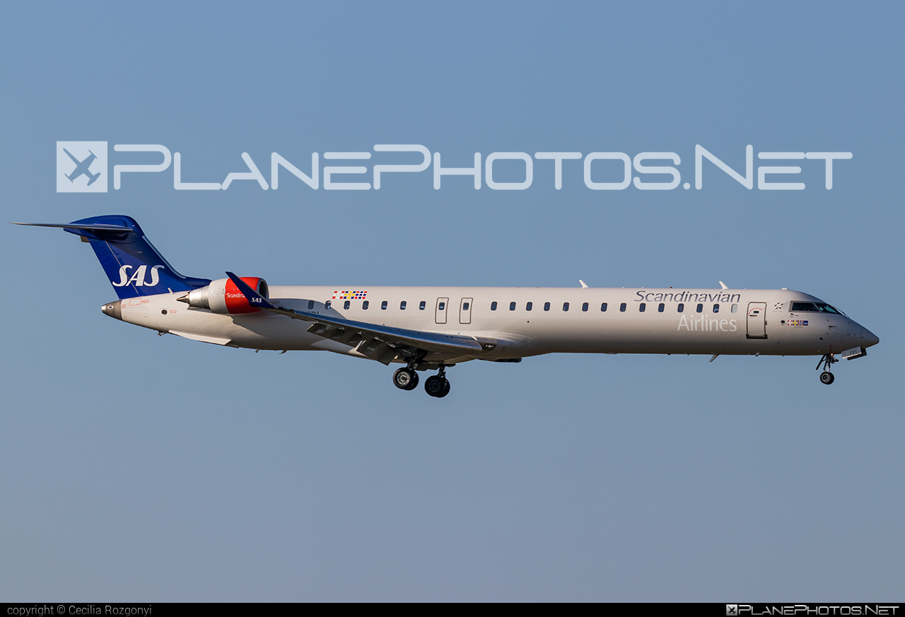 Bombardier CRJ900LR - EI-FPI operated by Scandinavian Airlines (SAS) #bombardier #crj900 #crj900lr #sas #sasairlines #scandinavianairlines