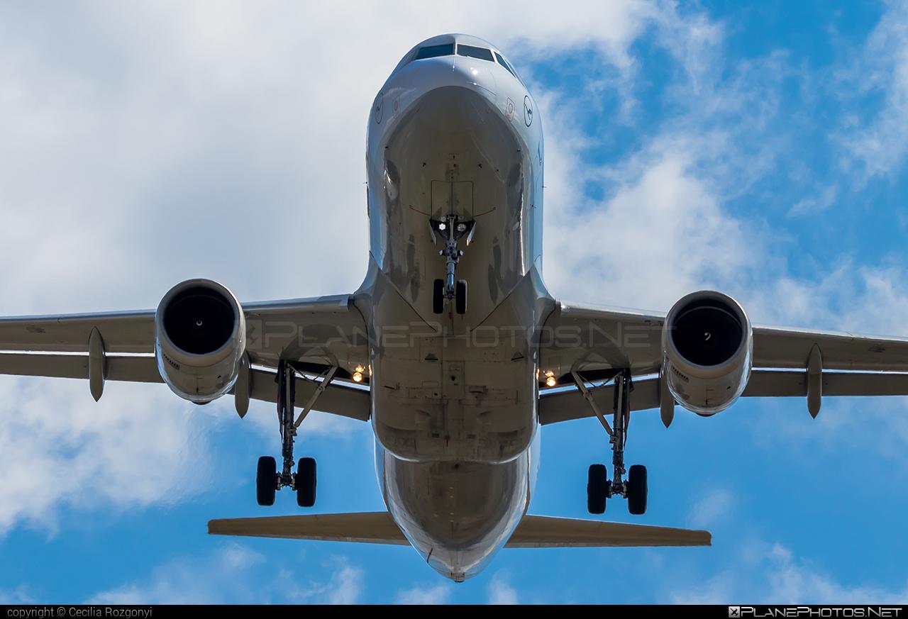 Airbus A320-211 - D-AIPK operated by Lufthansa #a320 #a320family #airbus #airbus320 #lufthansa