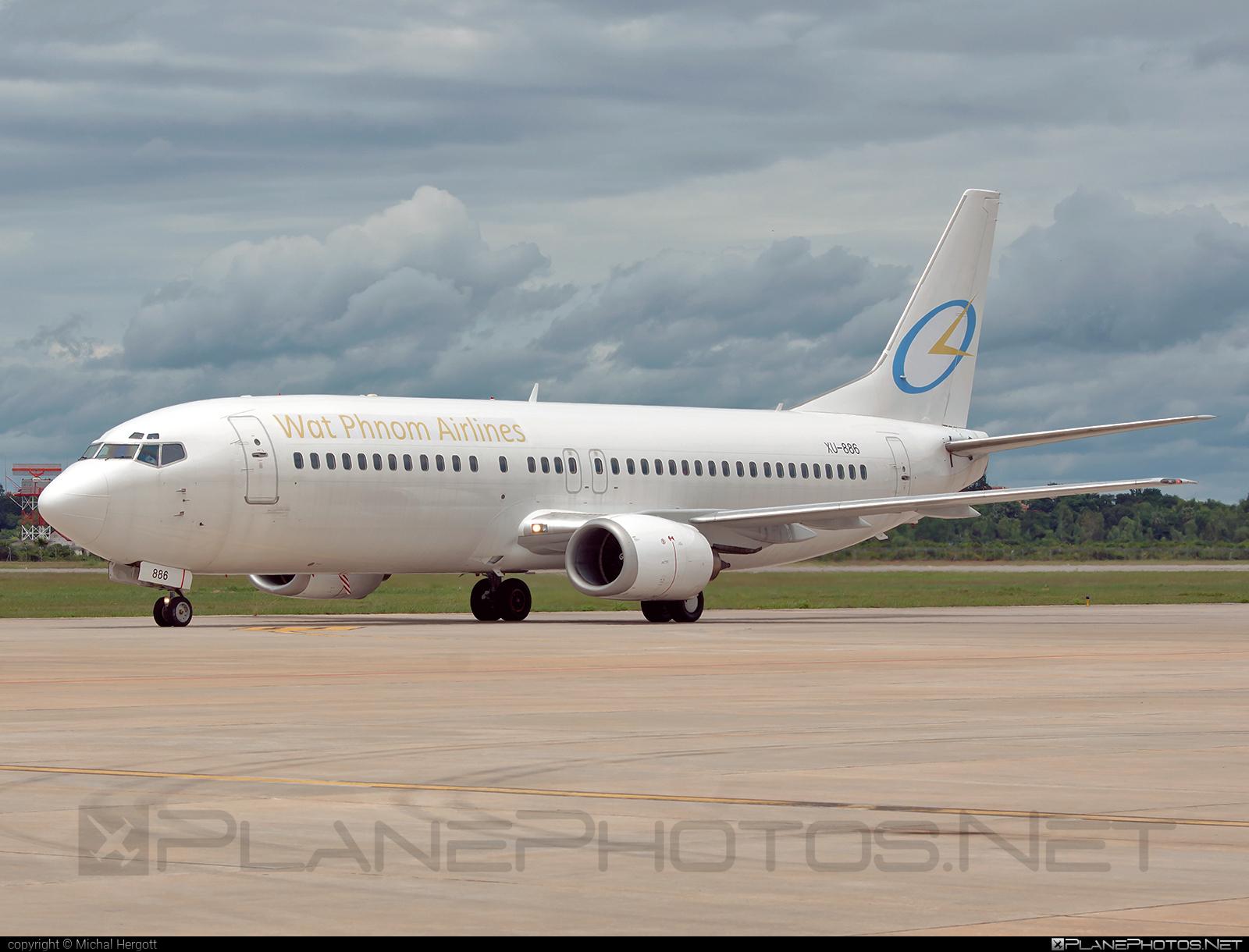 Wat Phnom Airlines Boeing 737-400 - XU-886 #b737 #boeing #boeing737