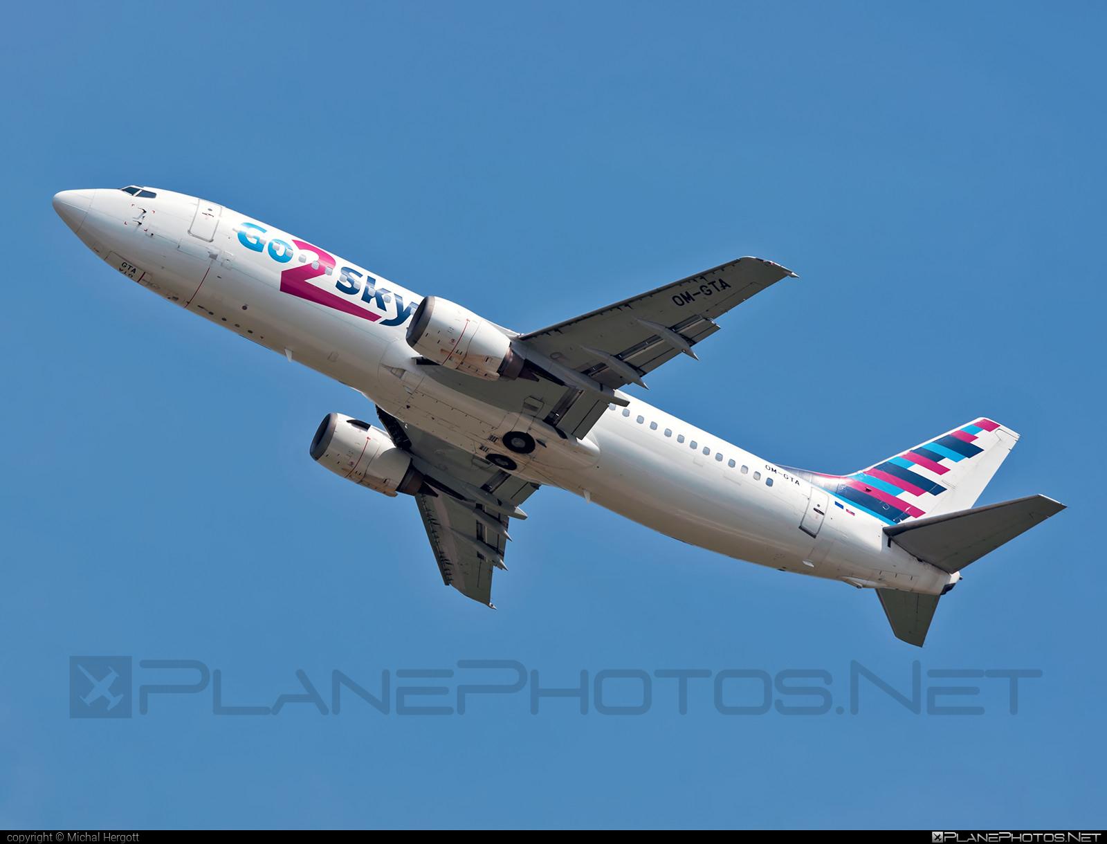 Boeing 737-400 - OM-GTA operated by Go2Sky #b737 #boeing #boeing737 #go2sky