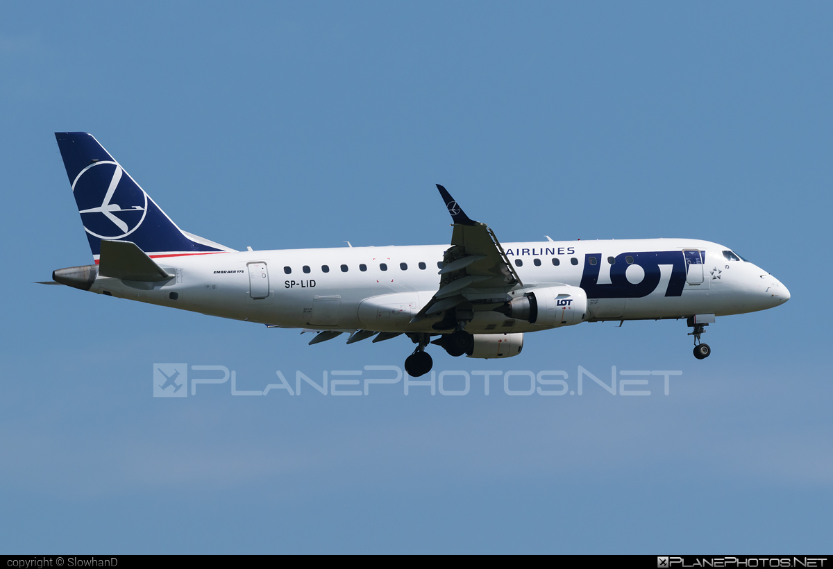 Embraer E175STD (ERJ-170-200STD) - SP-LID operated by LOT Polish Airlines #e175 #embraer #embraer175 #embraer175std #erj170200 #erj170200std #erj175 #erj175std #lot #lotpolishairlines