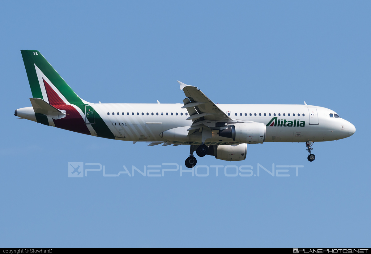 Airbus A320-216 - EI-DSL operated by Alitalia #a320 #a320family #airbus #airbus320 #alitalia