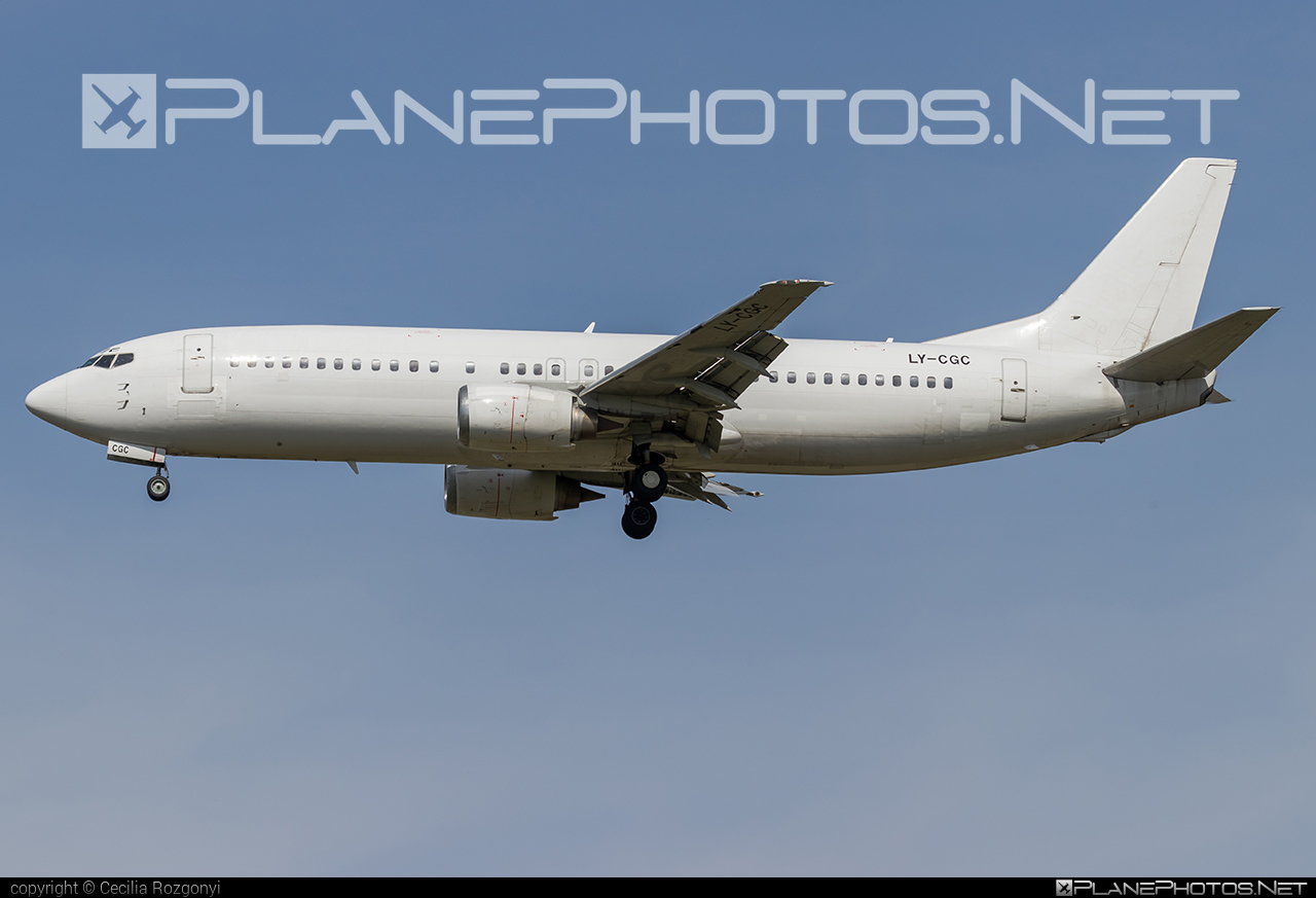 Boeing 737-400 - LY-CGC operated by GETJET Airlines #b737 #boeing #boeing737 #getjetairlines