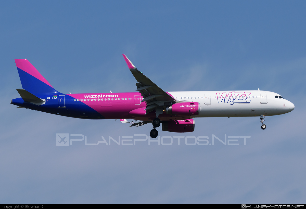 Airbus A321-231 - HA-LXJ operated by Wizz Air #a320family #a321 #airbus #airbus321 #wizz #wizzair