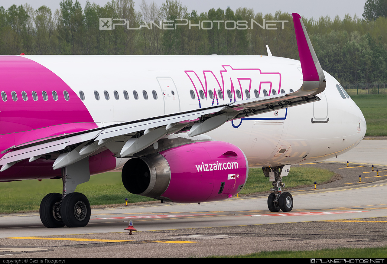 Airbus A321-231 - HA-LXI operated by Wizz Air #a320family #a321 #airbus #airbus321 #wizz #wizzair