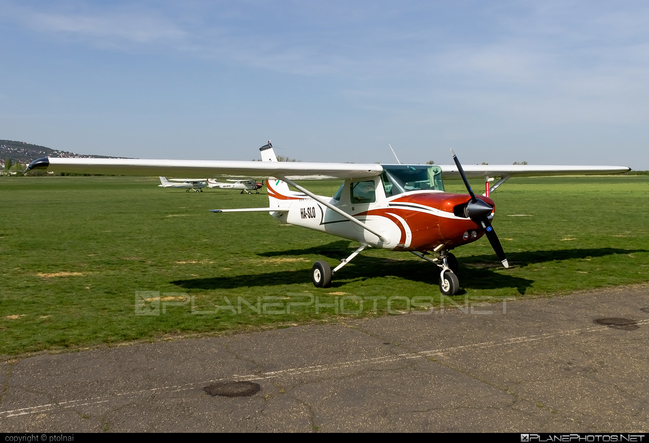 Cessna 152 - HA-SLO operated by Fly-Coop #cessna #cessna152