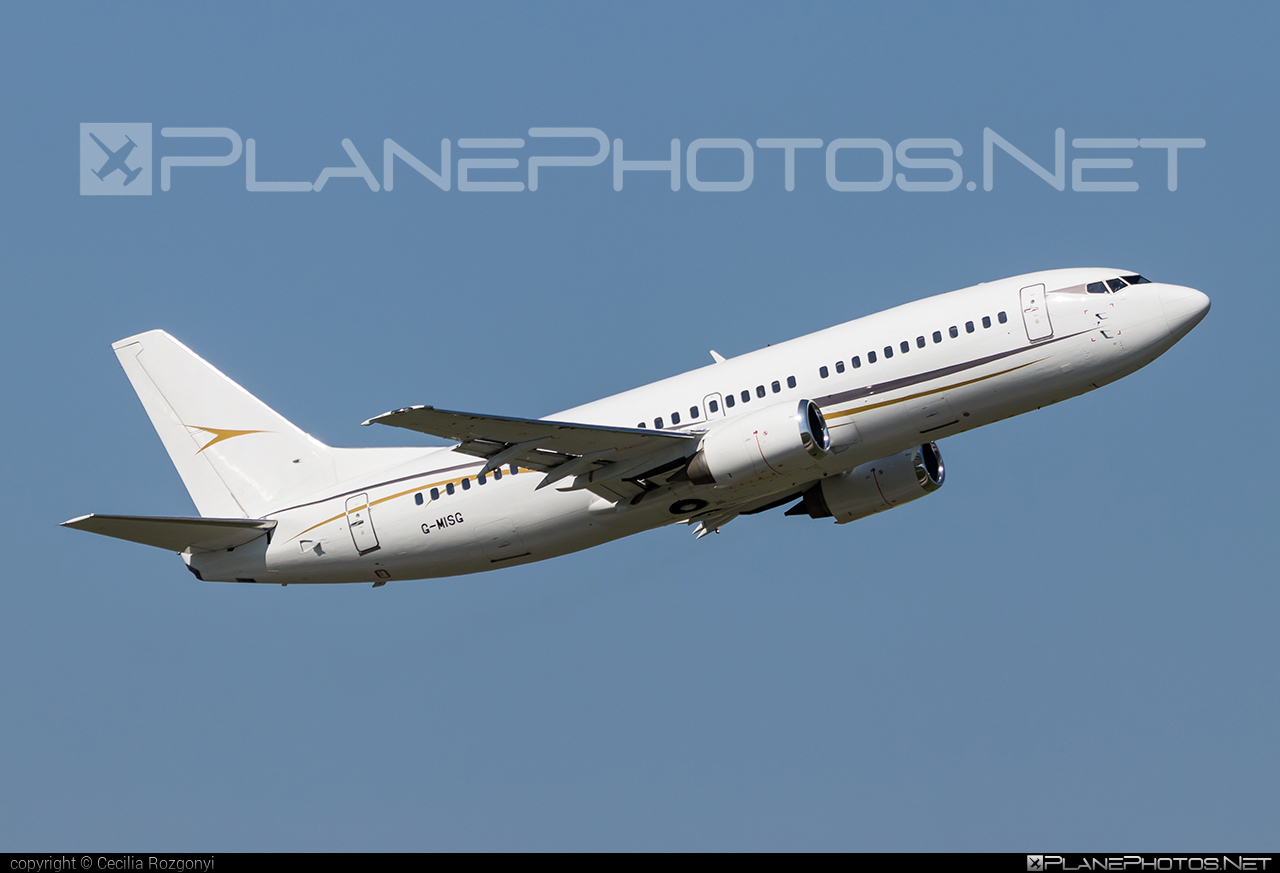 Boeing 737-300 - G-MISG operated by Cello Aviation #b737 #boeing #boeing737
