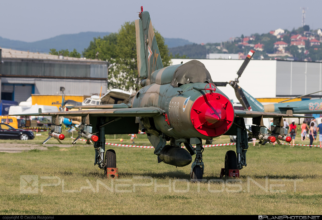 Mikoyan-Gurevich MiG-21bis - 6009 operated by Magyar Légierő (Hungarian Air Force) #hungarianairforce #magyarlegiero #mig #mig21 #mig21bis #mikoyangurevich