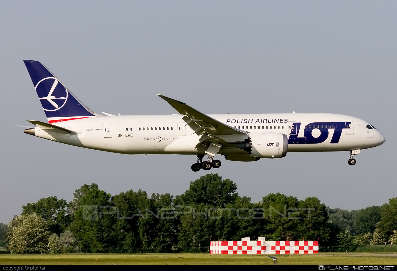 Boeing 787-8 Dreamliner - SP-LRE operated by LOT Polish Airlines #b787 #boeing #boeing787 #dreamliner #lot #lotpolishairlines