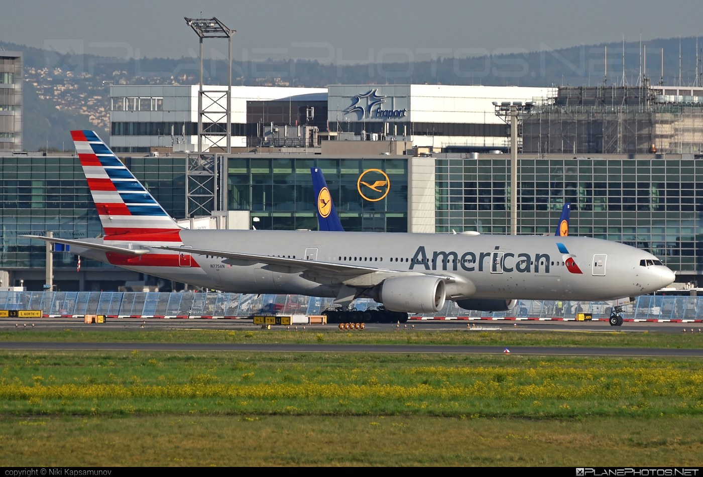 American Airlines Boeing 777-200ER - N775AN #americanairlines #b777 #b777er #boeing #boeing777 #tripleseven