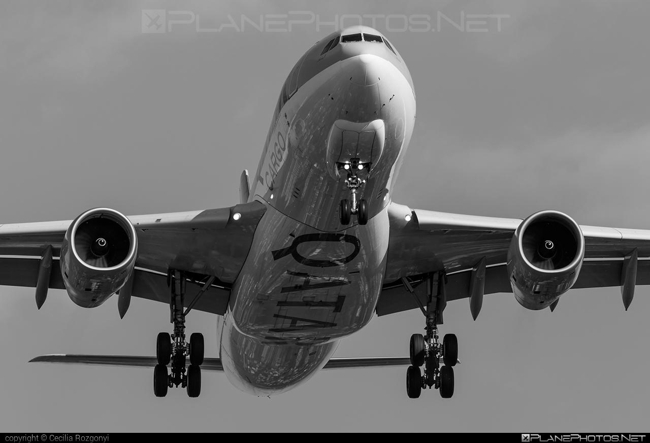 Qatar Airways Cargo Airbus A330-243F - A7-AFY #a330 #a330f #a330family #airbus #airbus330 #qatarairwayscargo