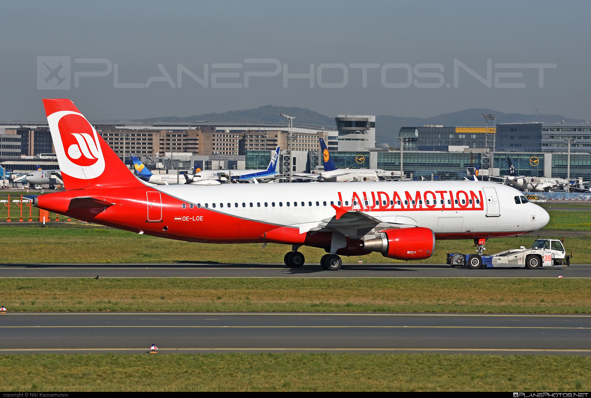 Airbus A319-112 - OE-LOE operated by LaudaMotion #a319 #a320family #airbus #airbus319 #laudamotion