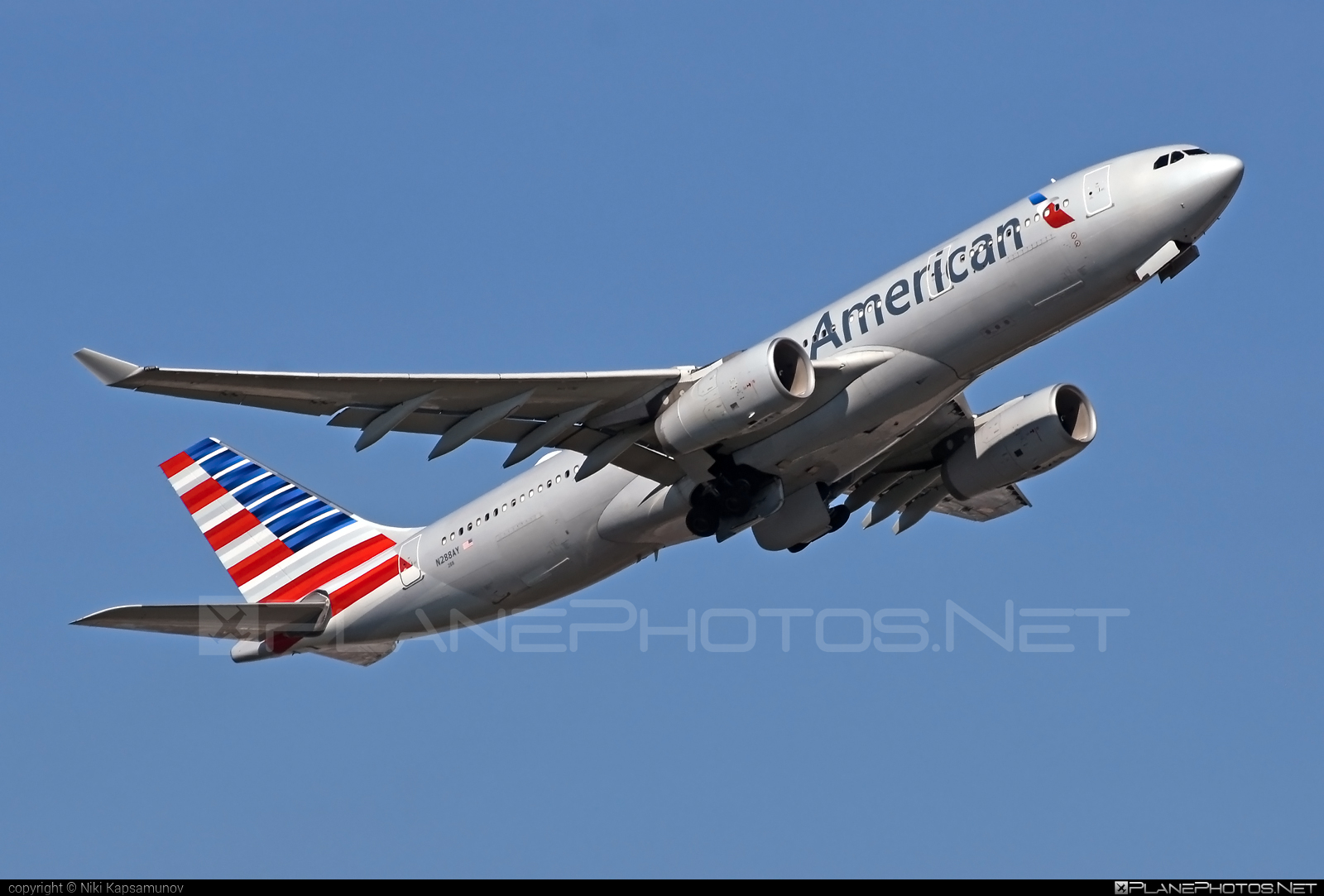 Airbus A330-243 - N288AY operated by American Airlines #a330 #a330family #airbus #airbus330 #americanairlines