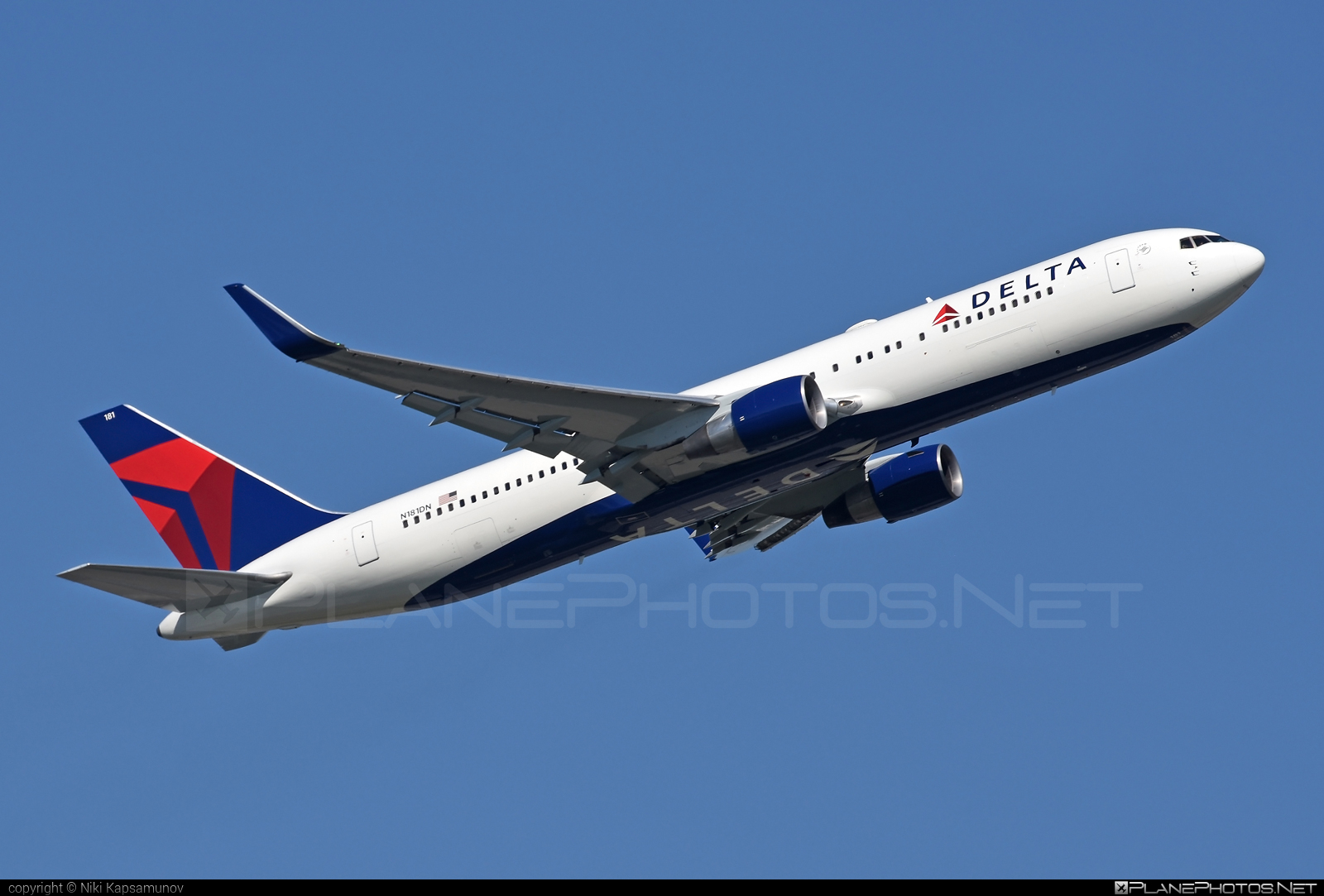 Boeing 767-300ER - N181DN operated by Delta Air Lines #b767 #b767er #boeing #boeing767 #deltaairlines