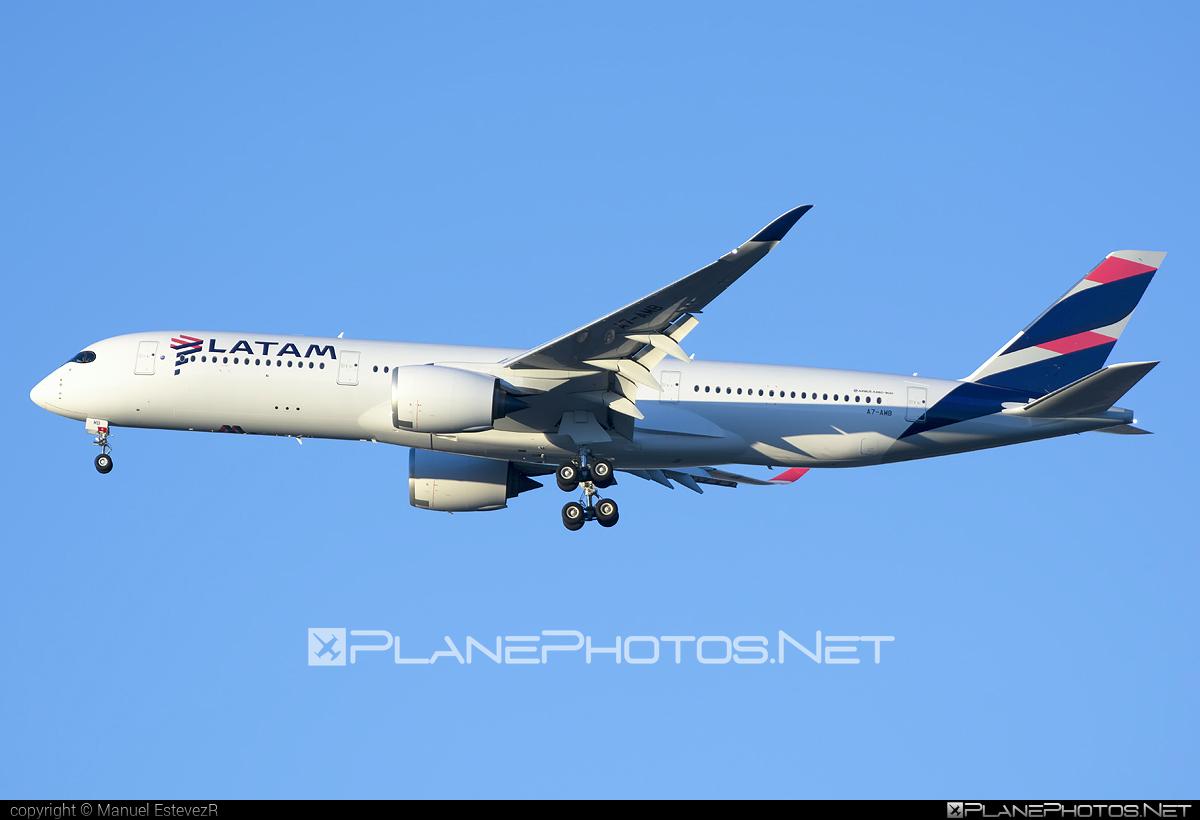 Airbus A350-941 - A7-AMB operated by Qatar Airways #a350 #a350family #airbus #airbus350 #latam #qatarairways #xwb