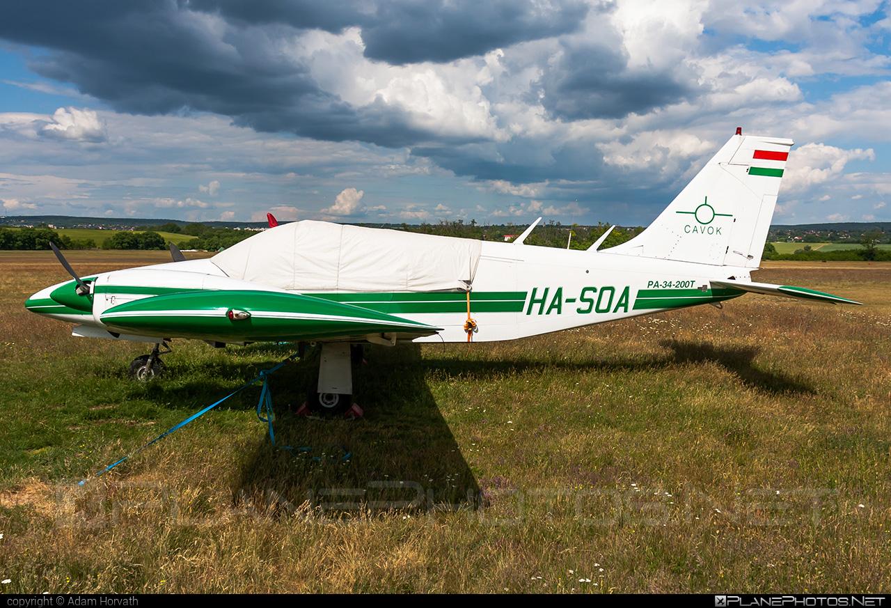 Piper PA-34-200T Seneca II - HA-SOA operated by CAVOK Aviation Training #cavokaviationtraining #piper