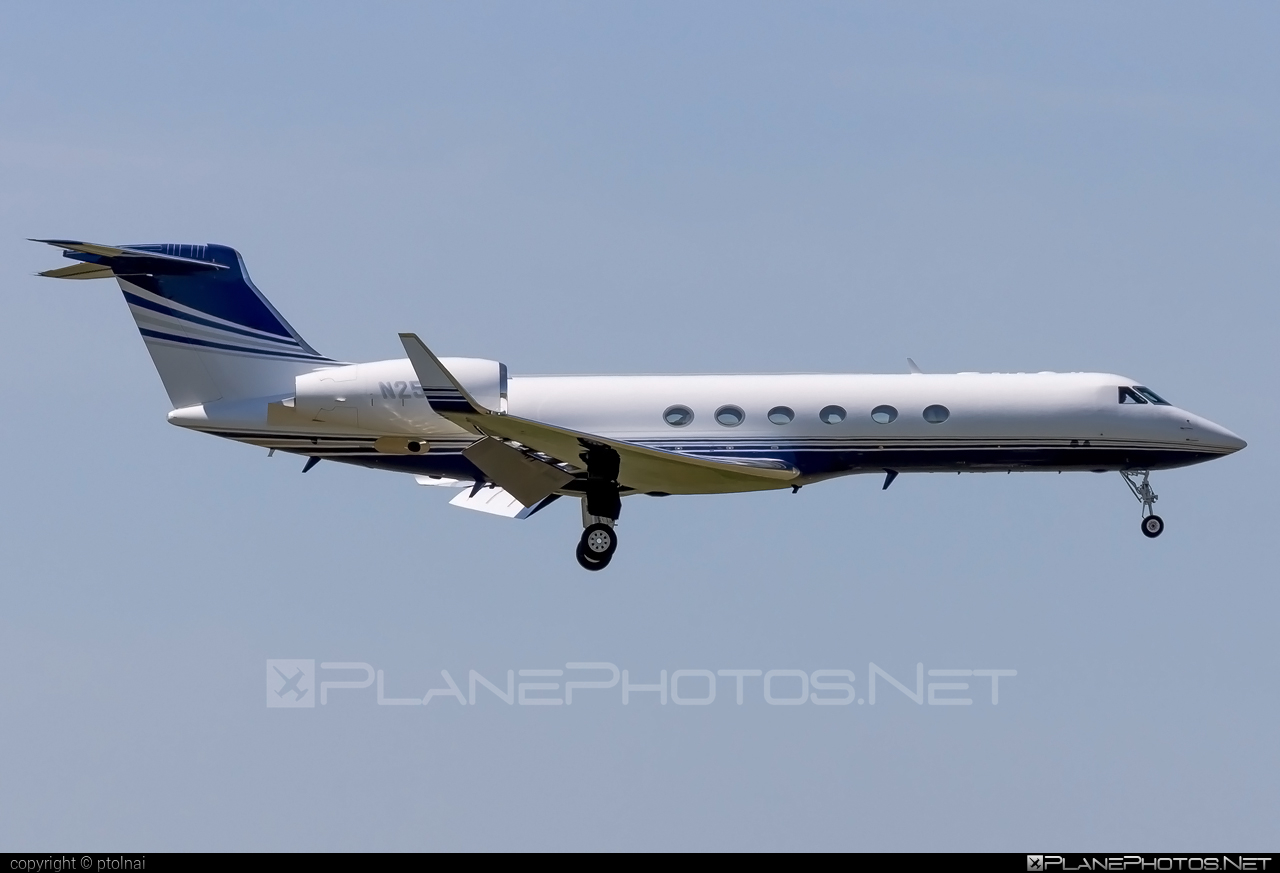 Gulfstream GV - N25GV operated by Private operator #gulfstream