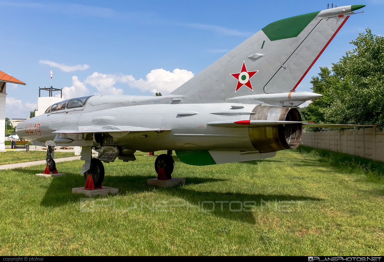 Mikoyan-Gurevich MiG-21U-600 - 4419 operated by Magyar Néphadsereg (Hungarian People's Army) #hungarianpeoplesarmy #magyarnephadsereg #mig #mig21 #mig21u600 #mikoyangurevich