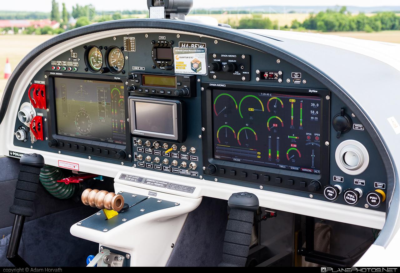 Tomark SD4 Viper - HA-BEW operated by CAVOK Aviation Training #cavokaviationtraining #sd4viper #tomark