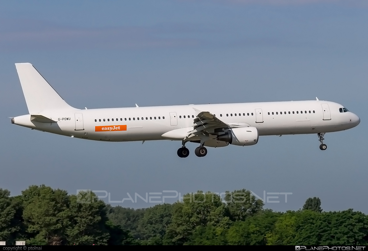 Airbus A321-211 - G-POWU operated by easyJet #a320family #a321 #airbus #airbus321 #easyjet