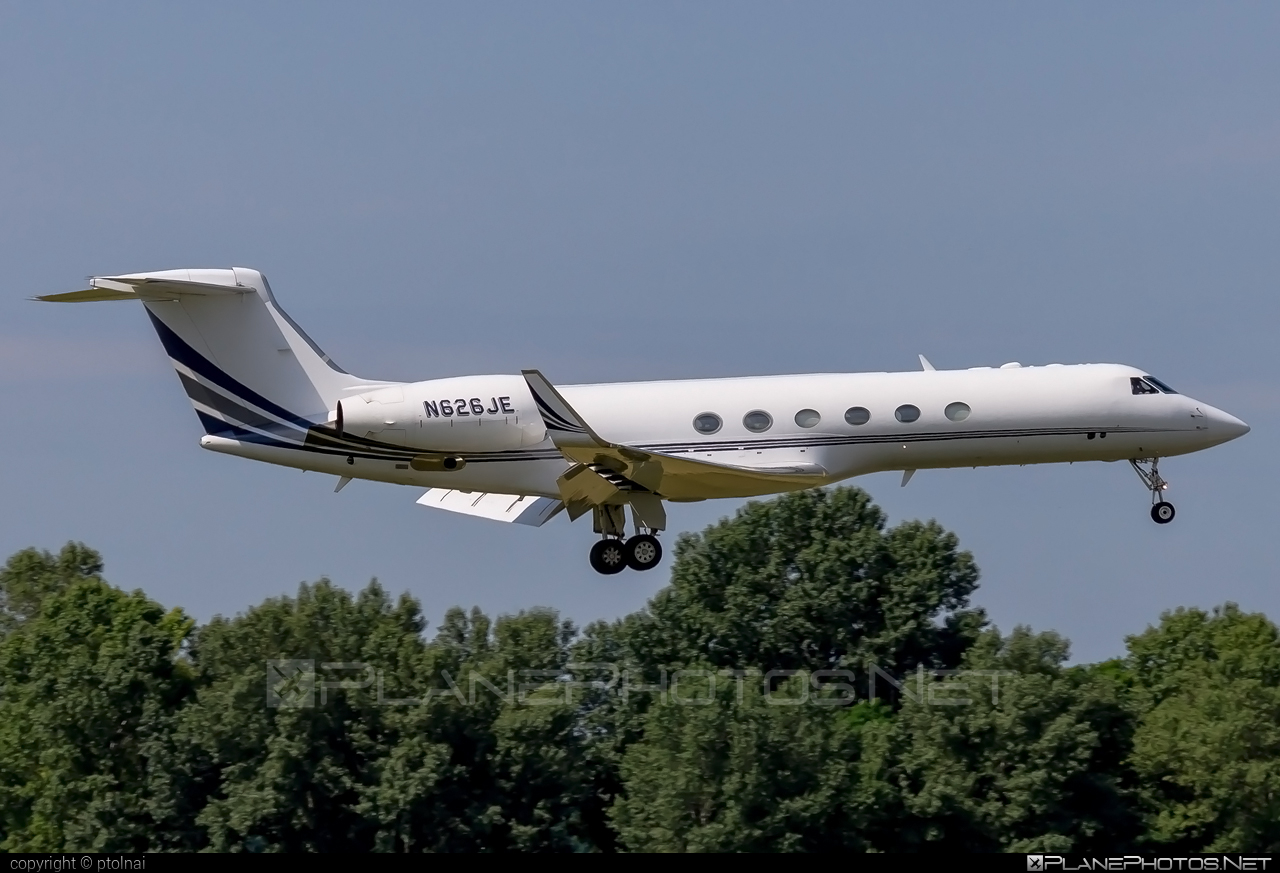 Private operator Gulfstream GV - N626JE #gulfstream