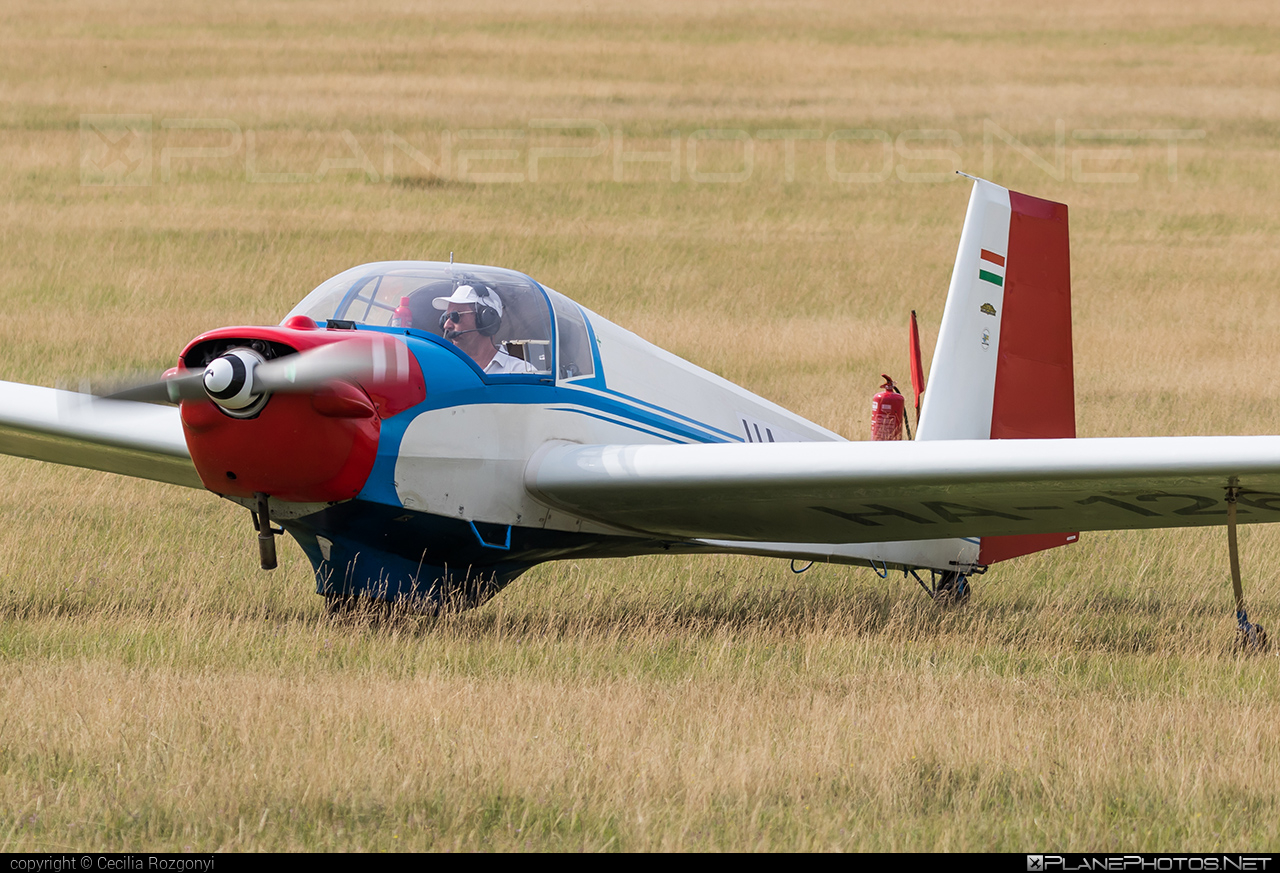 Scheibe SF-25C Falke - HA-1261 operated by Private operator #scheibe #scheibefalke #sf25 #sf25c