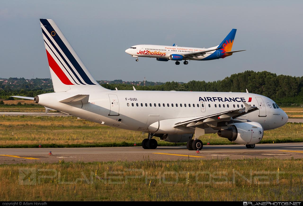 Air France Airbus A318-111 - F-GUGI #a318 #a320family #airbus #airfrance