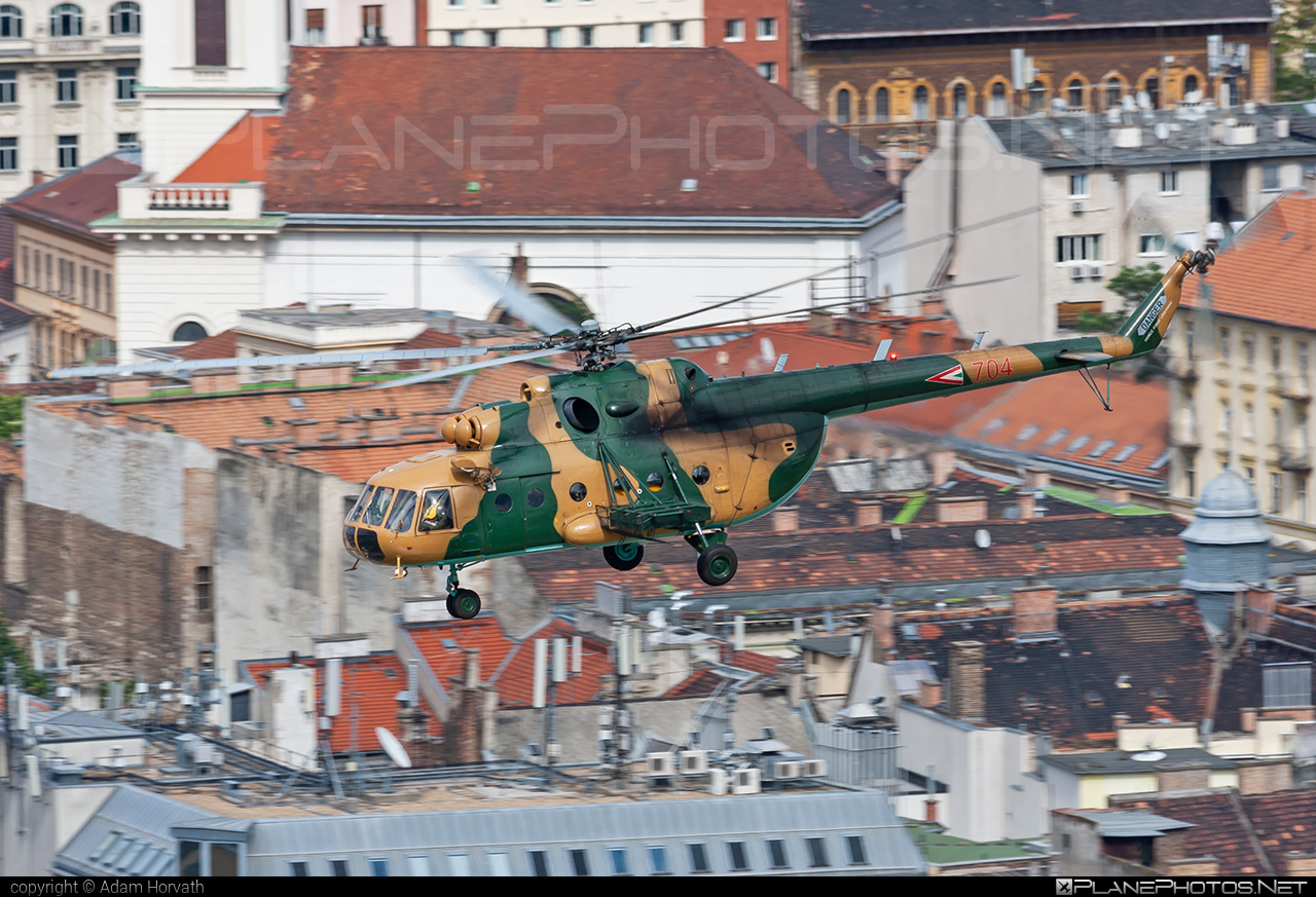 Mil Mi-17N - 704 operated by Magyar Légierő (Hungarian Air Force) #hungarianairforce #magyarlegiero #mi17 #mi17n #mil #mil17 #milhelicopters #redbullairrace #redbullairracebudapest