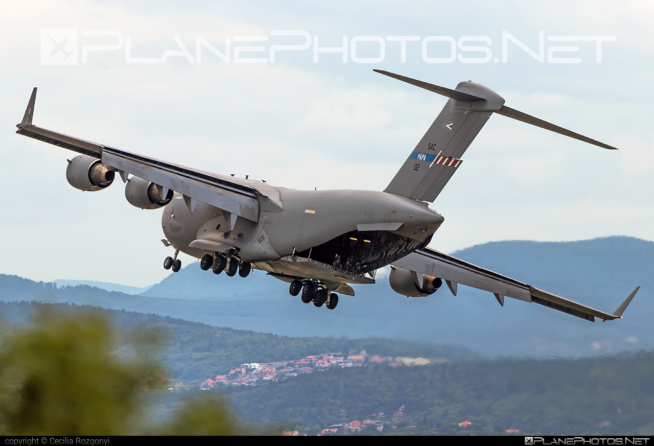 Boeing C-17A Globemaster III - 02 operated by NATO Strategic Airlift Capability (SAC) #boeing #c17 #c17globemaster #globemaster #globemasteriii #natostrategicairliftcapability #redbullairrace #redbullairracebudapest #strategicairliftcapability