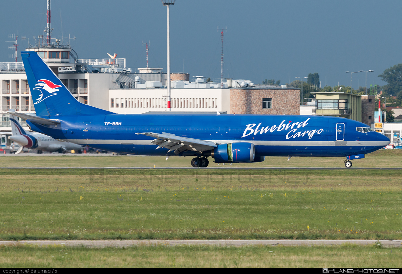 Boeing 737-400SF - TF-BBH operated by Bluebird Cargo #b737 #b737freighter #b737sf #bluebirdcargo #boeing #boeing737