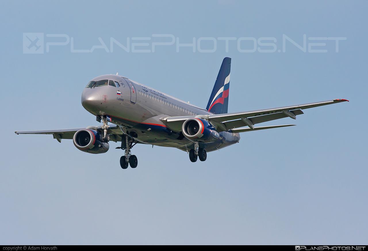Sukhoi SSJ 100-95B Superjet - RA-89102 operated by Aeroflot #aeroflot #ssj100 #ssj10095b #sukhoi #sukhoisuperjet #superjet