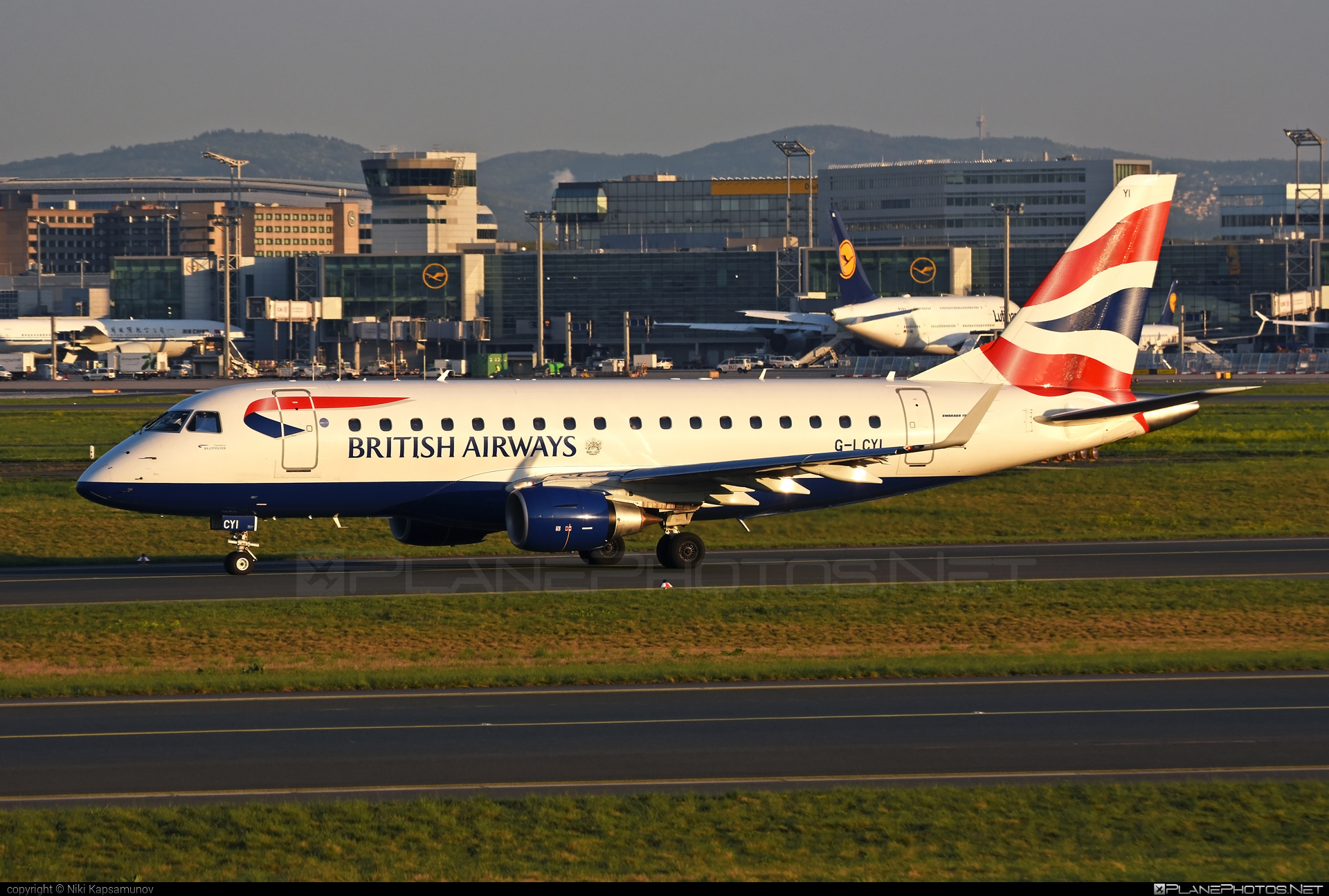 Embraer 170-100STD - G-LCYI operated by BA CityFlyer #embraer