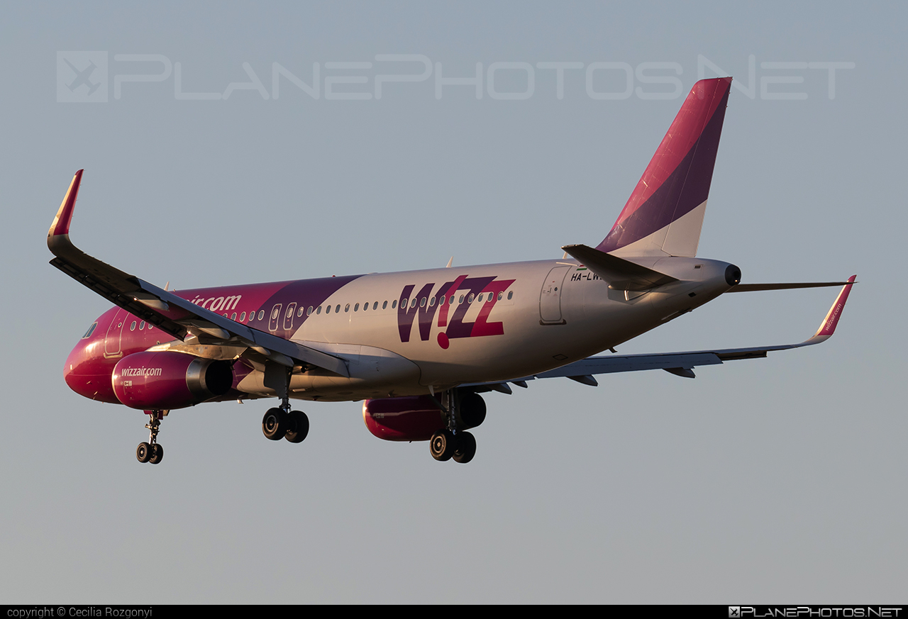 Airbus A320-232 - HA-LWT operated by Wizz Air #a320 #a320family #airbus #airbus320 #wizz #wizzair