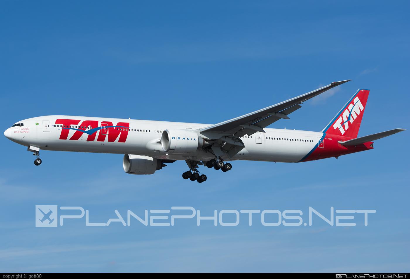 Boeing 777-300ER - PT-MUB operated by TAM Linhas Aéreas #b777 #b777er #boeing #boeing777 #tam #tamairlines #tamlinhasaereas #tripleseven