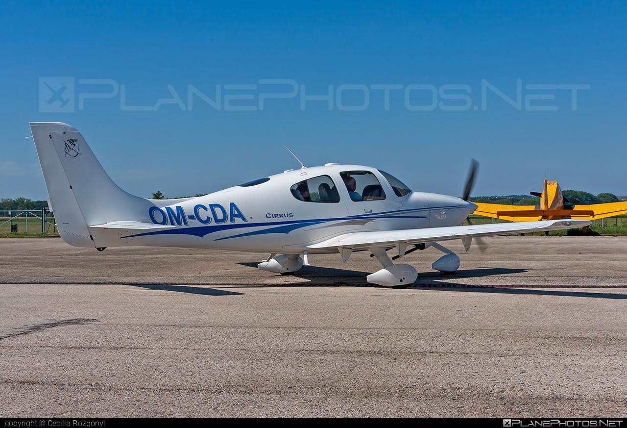 Cirrus SR20 - OM-CDA operated by Private operator #cirrus