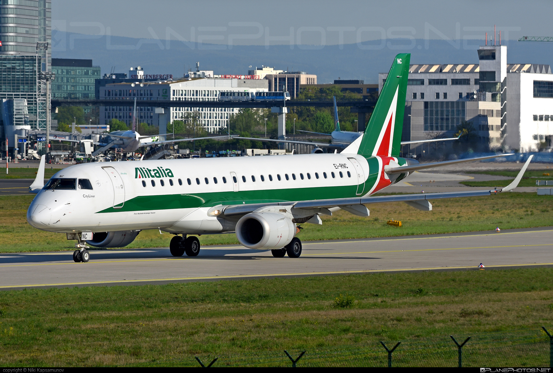 Embraer 190-100LR - EI-RNC operated by Alitalia CityLiner #e190 #embraer #embraer190 #embraer190lr
