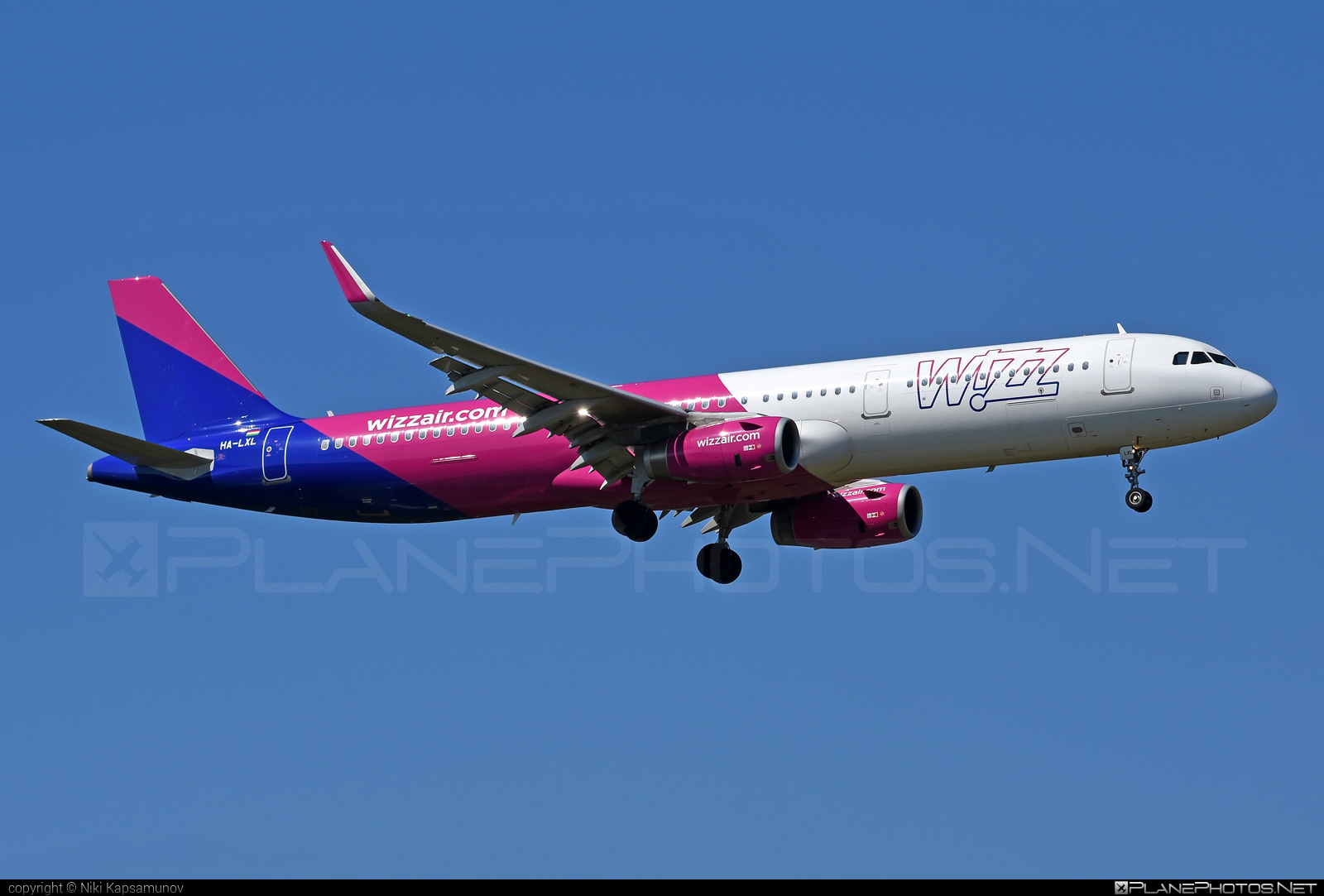 Airbus A321-231 - HA-LXL operated by Wizz Air #a320family #a321 #airbus #airbus321 #wizz #wizzair