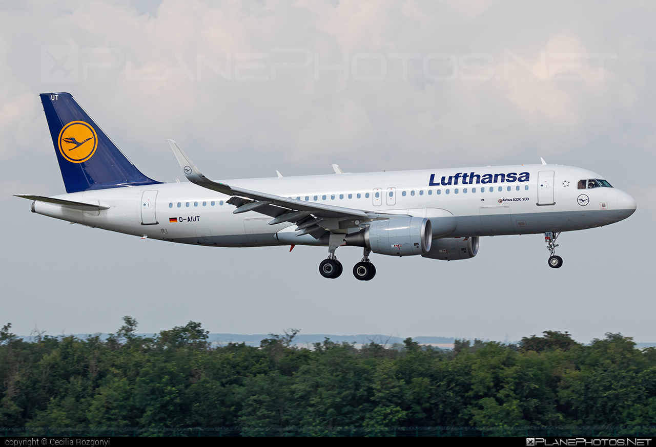 Airbus A320-214 - D-AIUT operated by Lufthansa #a320 #a320family #airbus #airbus320 #lufthansa
