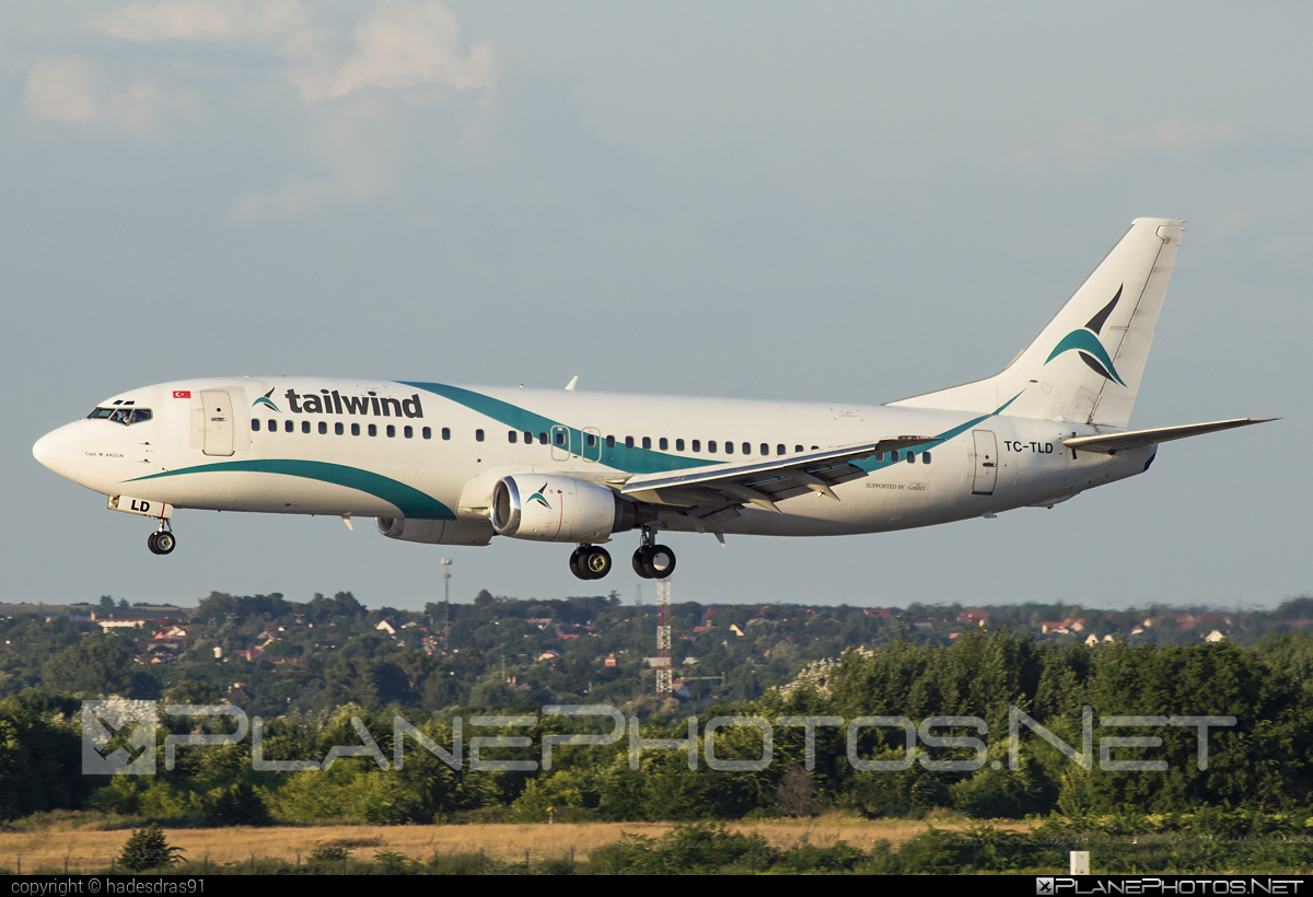 Boeing 737-400 - TC-TLD operated by Tailwind Airlines #b737 #boeing #boeing737