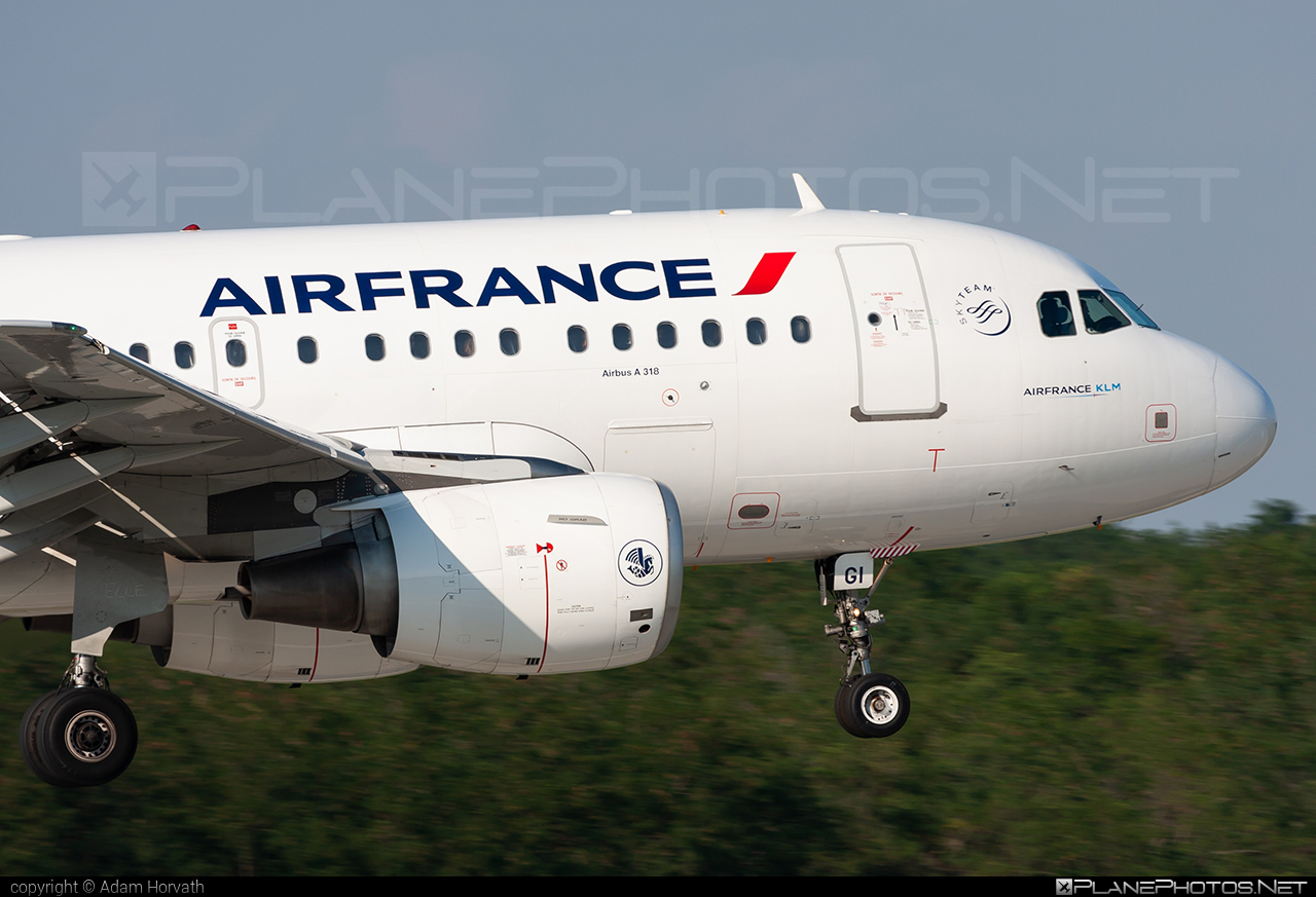 Airbus A318-111 - F-GUGI operated by Air France #a318 #a320family #airbus #airbus318 #airfrance