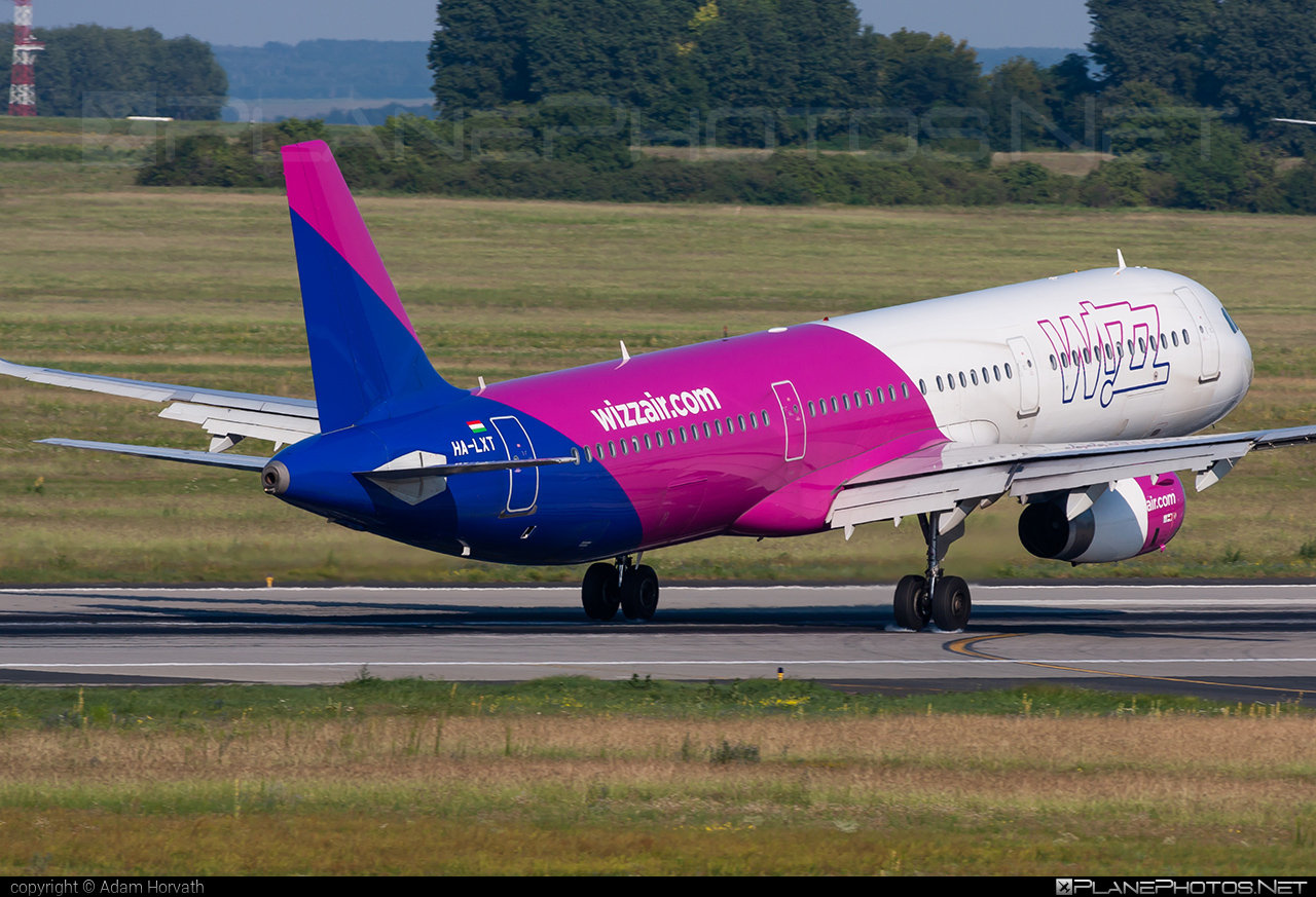 Airbus A321-231 - HA-LXT operated by Wizz Air #a320family #a321 #airbus #airbus321 #wizz #wizzair