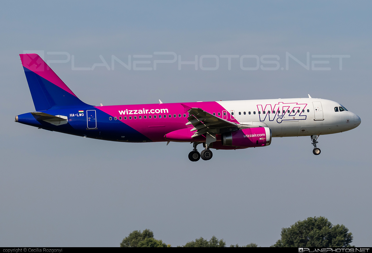 Airbus A320-232 - HA-LWO operated by Wizz Air #a320 #a320family #airbus #airbus320 #wizz #wizzair