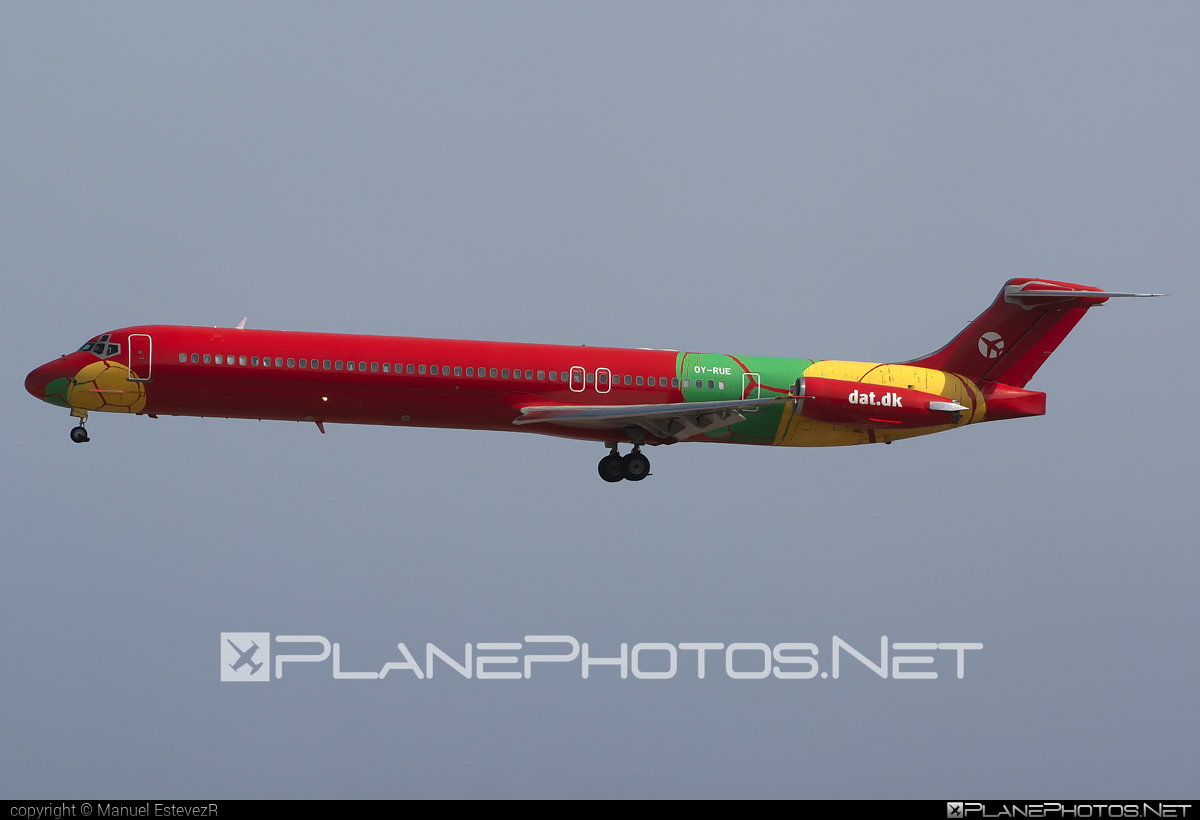Danish Air Transport (DAT) McDonnell Douglas MD-83 - OY-RUE #mcdonnelldouglas