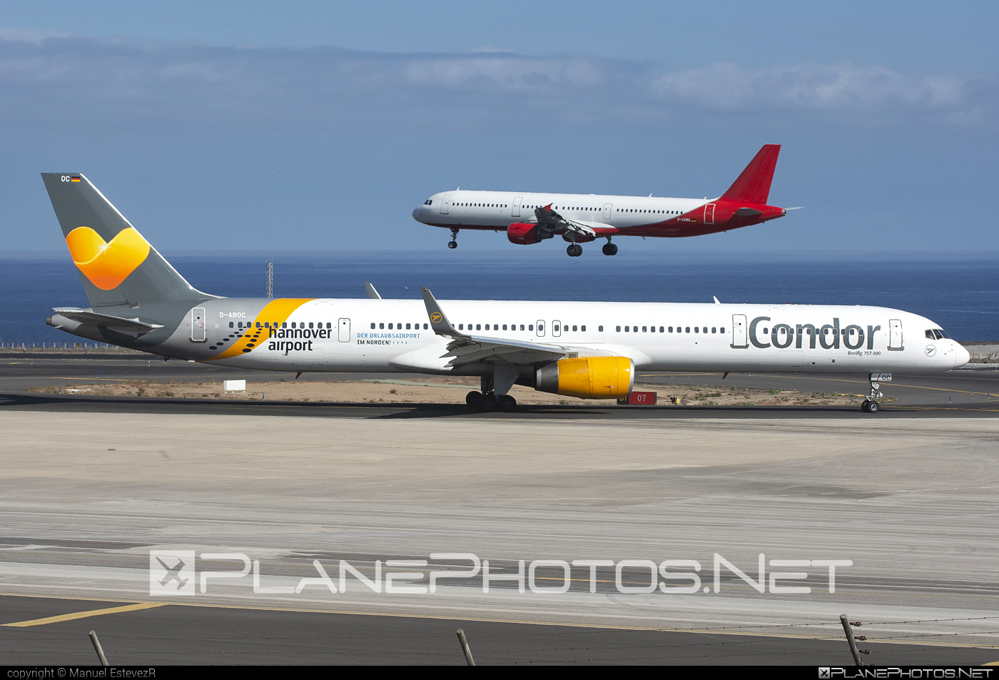 Boeing 757-300 - D-ABOC operated by Condor #b757 #boeing #boeing757