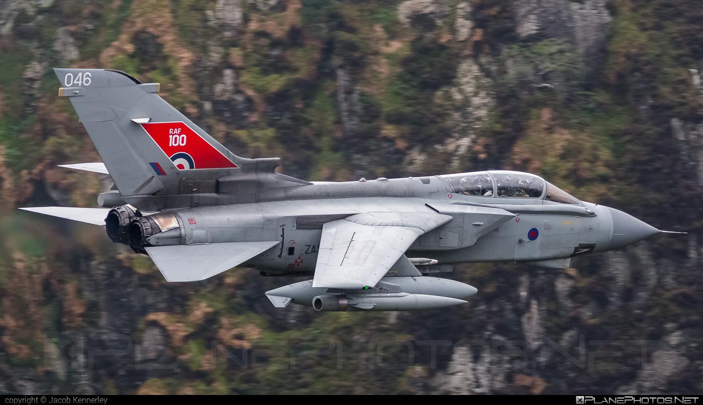 Panavia Tornado GR.4 - ZA554 operated by Royal Air Force (RAF) #panavia #panaviatornado #raf #royalairforce #tornadogr4