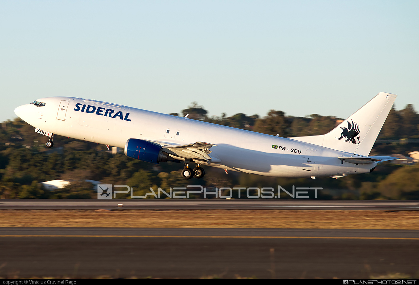 Boeing 737-400SF - PR-SDU operated by Sideral Air Cargo #b737 #b737freighter #b737sf #boeing #boeing737